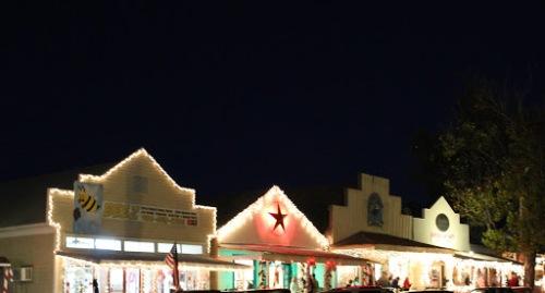 Coldspring Square Christmas Lighting