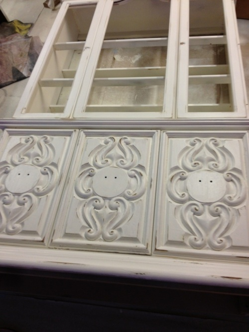 China cabinet with Powdered Snow